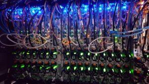 server die bitcoin aan het minen is